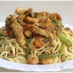 Noodles con gambas y pollo
