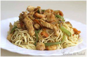 noodles con gambas y pollo destacado 860 X 573