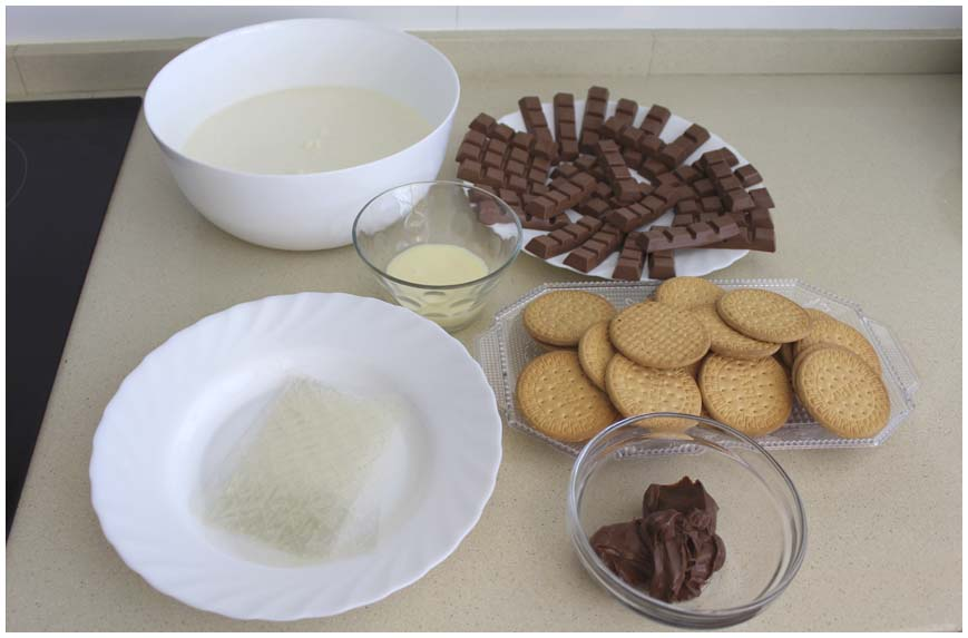 TARTA DE CHOCOLATINAS KINDER SIN HORNO ingredientes 860 X 573