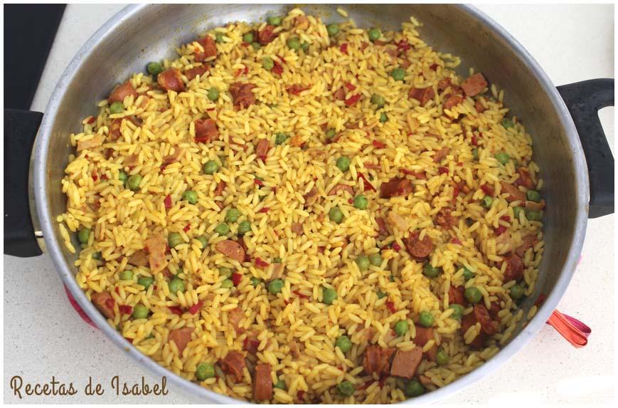 arroz-con-chistorra-y-salchicha-contra-860-x-573
