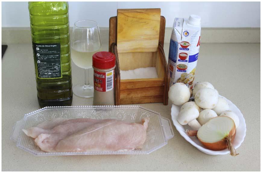 Pollo en salsa de champiñones. Receta fácil