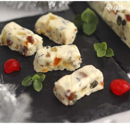 Turrón de queso Camembert con frutos secos