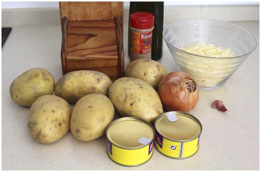 Pastel de patatas y atún gratinado muy fácil