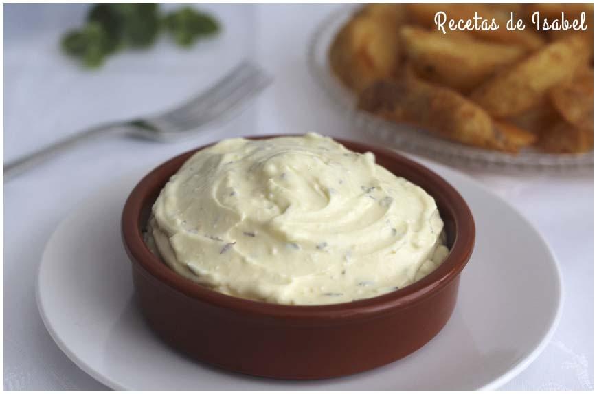Salsa deluxe para acompañar las patatas gajo