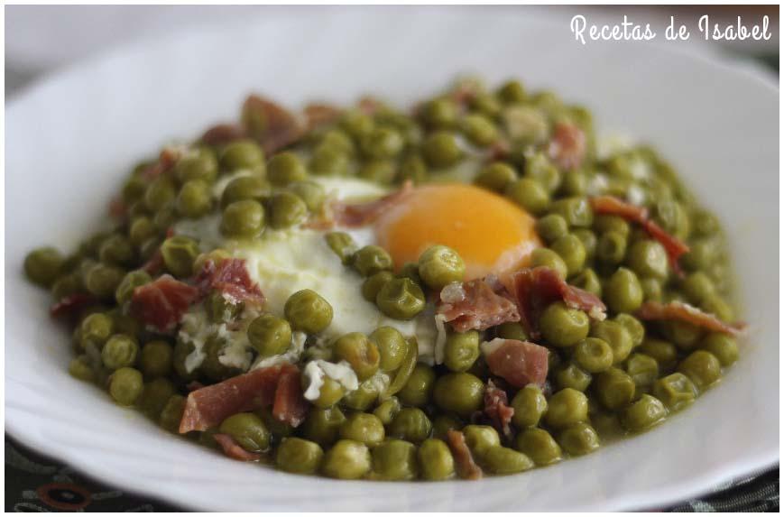 Guisantes con jamón y huevo cuajado