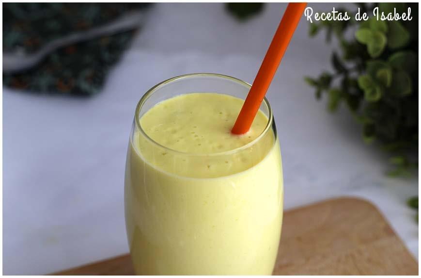 Batido de mango y yogur rápido y fácil