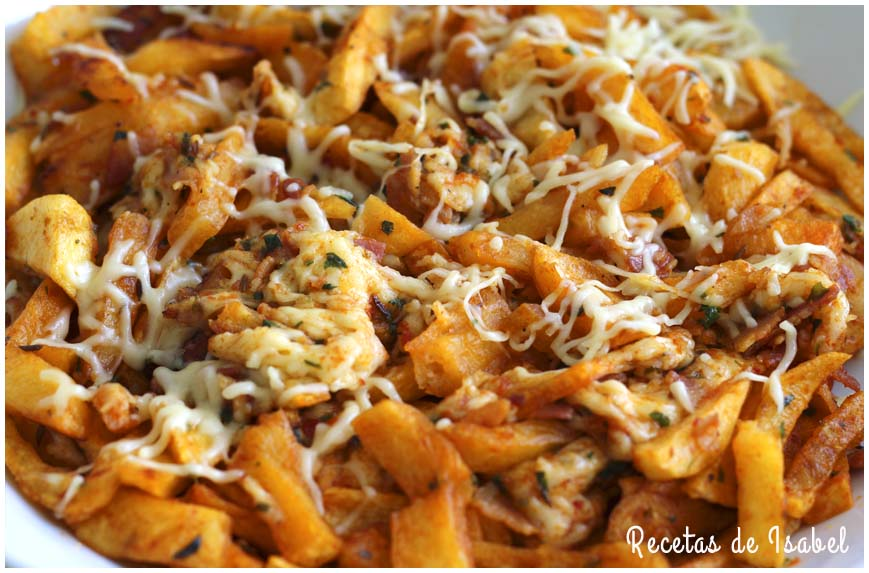 Patatas especiadas con bacon y queso