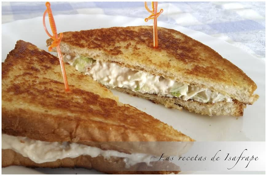 Sándwich de pollo con solo tres ingredientes
