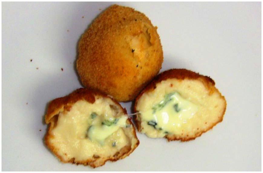 cuatro-recetas-con-queso-azul-1-croquetas-roquefort-860-x-573