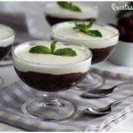 Postre fácil de chocolate y nata en copas
