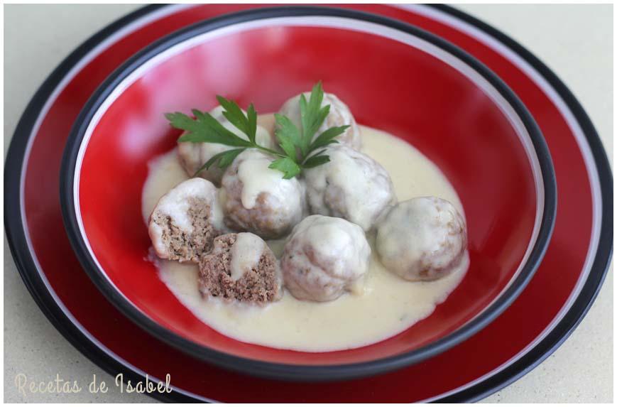albondigas-con-salsa-a-la-crema-contraportada-860-x-573
