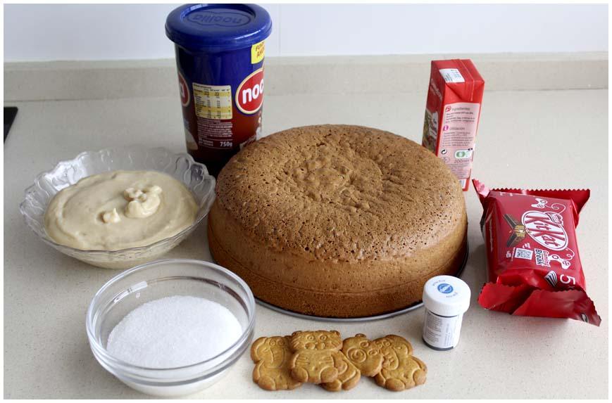 tarta-de-cumplean%cc%83os-piscina-ingredientes-860-x-573