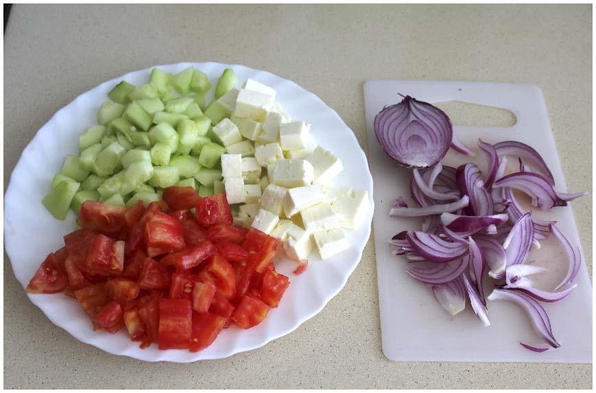 Típica ensalada griega, receta muy fácil