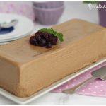 Flan de chocolate con avellanas y nata