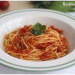 Espaguetis con salsa amatriciana, receta muy fácil